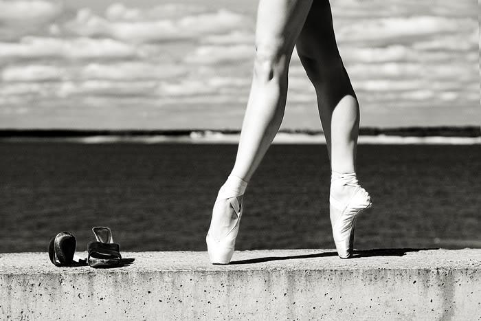 Just me - Image triste noir et blanc ...